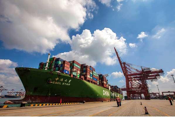 چین در تجارت جهانی، نقش محوری دارد اما در این مورد خاص، به نظر میرسد تصمیمات غلطی اتخاذ کرده است